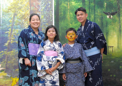 FEL picture taking of guests dress in yukata for little tokyo service center