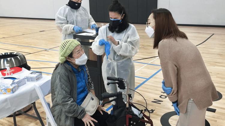 Senior receiving vaccine at terasaki budokan